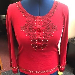 Long sleeve shirt with bead detail